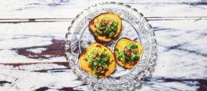 Søde kartofler med avocado og Bacon