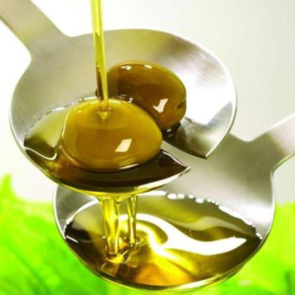 Olivenolie med basilikum